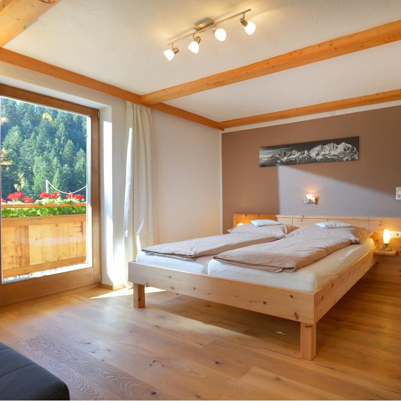Hartkaiserblick Schlafzimmer 1 800x800